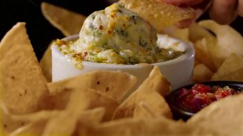 Applebee's 3 Course Meal TV Spot, 'Hungry Eyes' Song by Eric Carmen - Thumbnail 8