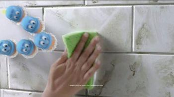 Scrubbing Bubbles Bathroom Grime Fighter TV Spot, 'Dirty Socks' - Thumbnail 6