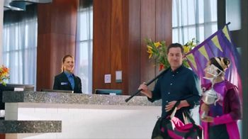 Hampton Inn & Suites TV Spot, 'Flag Dancing' Song by Len - Thumbnail 9