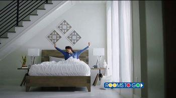 Rooms to Go TV Spot, 'Día del trabajo: tu mejor noche' [Spanish] - Thumbnail 1