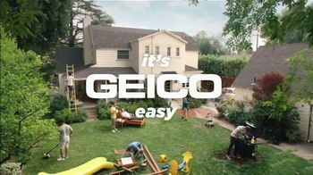 GEICO TV Spot, 'Neighborhood Hypnotist' - Thumbnail 10