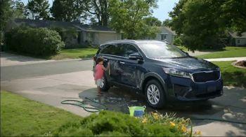 Wings Financial Credit Union TV Spot, 'Car Wash' - Thumbnail 2