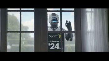 Sprint Unlimited Basic TV Spot, 'Roberto viene: $24 dólares' [Spanish] - 613 commercial airings