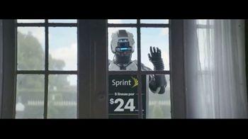 Sprint Unlimited Basic TV Spot, 'Roberto viene: $24 dólares' [Spanish]
