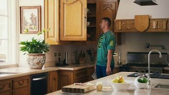 Nissan TV Spot, 'Heisman House: Sandwich' Ft Baker Mayfield, Marcus Mariota [T1] - Thumbnail 10