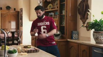 Nissan TV Spot, 'Heisman House: Sandwich' Ft Baker Mayfield, Marcus Mariota [T1] - Thumbnail 5