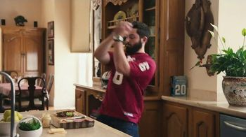 Nissan TV Spot, 'Heisman House: Sandwich' Ft Baker Mayfield, Marcus Mariota [T1] - Thumbnail 6