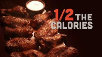 Hooters Smoked Wings TV Spot, 'Girl Shock: To Go $5 Off' - Thumbnail 5