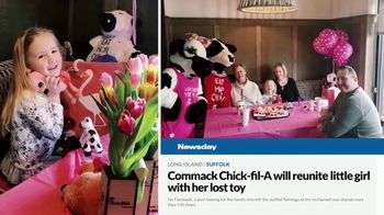 Chick-fil-A TV Spot, 'The Little Things: Lost Flamingo' - Thumbnail 9