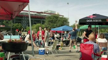 Dos Equis TV Spot, 'Keep It Interesante: Beer Blaster' Featuring Les Miles - Thumbnail 1