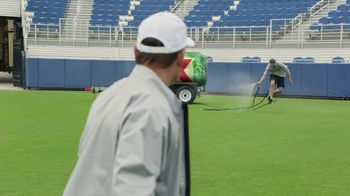 Dos Equis TV Spot, 'Keep It Interesante: Beer Blaster' Featuring Les Miles - Thumbnail 9
