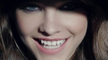 L'Oreal Paris Colour Riche Matte TV Spot, 'Adictivo' [Spanish] - Thumbnail 8