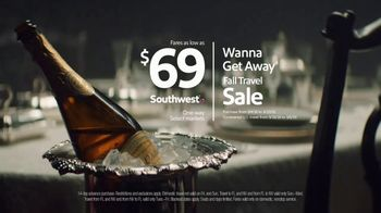 Southwest Airlines Fall Travel Sale TV Spot, 'Toast' - Thumbnail 10