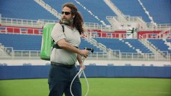 Dos Equis TV Spot, 'Keep It Interesante: Rick' Featuring Les Miles - Thumbnail 9