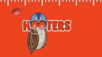 Hooters TV Spot, 'Buddies Football: To Go $5 Off' - Thumbnail 8