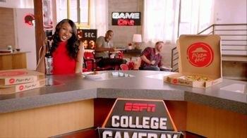 Pizza Hut TV Spot, 'ESPN: T-Shirt Cannon'