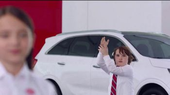 Kia America's Best Value Summer Clearance TV Spot, 'Balloons' [T2] - Thumbnail 4