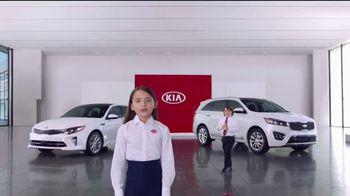 Kia America's Best Value Summer Clearance TV Spot, 'Balloons' [T2] - Thumbnail 5