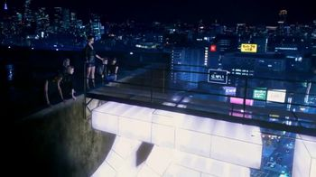 Yves Saint Laurent Black Opium TV Spot, 'Feel the Call' Featuring Zoe Kravitz - Thumbnail 5