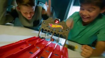 Hot Wheels Track Builder Race Crate TV Spot, 'Challenge Accepted' - Thumbnail 7
