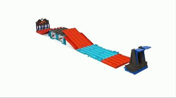 Hot Wheels Track Builder Race Crate TV Spot, 'Challenge Accepted' - Thumbnail 9