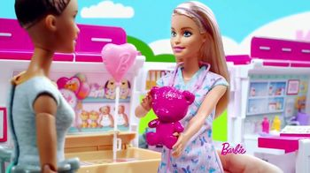 Barbie Care Clinic Vehicle TV Spot, 'Are You Feeling Blue?' - Thumbnail 7
