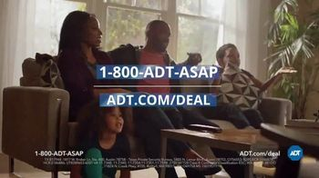 ADT TV Spot, 'Yard Sign: Save Over $400' - Thumbnail 10