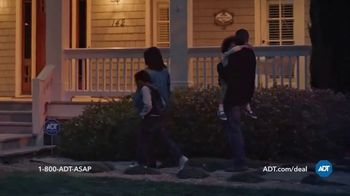 ADT TV Spot, 'Yard Sign: Save Over $400' - Thumbnail 3