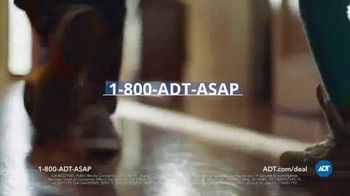 ADT TV Spot, 'Yard Sign: Save Over $400' - Thumbnail 8