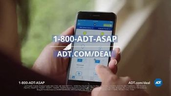 ADT TV Spot, 'Yard Sign: Save Over $400' - Thumbnail 9