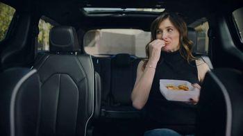 2018 Chrysler Pacifica S TV Spot, 'Soccer Practice' Featuring Kathryn Hahn [T2] - Thumbnail 4