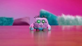 Yellies! TV Spot, 'Fuzziest Voice-Activated Spider Pets' - Thumbnail 4