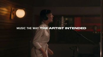 Beats Audio Studio3 Wireless TV Spot, 'Music The Way Halsey Intended' Featuring Zane Lowe - Thumbnail 9