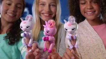Fingerlings Light-Up Unicorns: Get Your Glow On! thumbnail