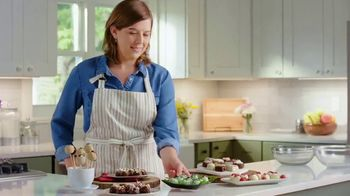 Baker's Chocolate No Bake Dessert Mix TV Spot, 'Bakers Know: Cookie Balls' - Thumbnail 9