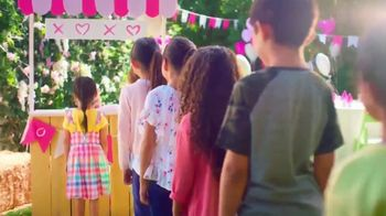 Little Live Pets Rollie My Kissing Puppy TV Spot, 'Kissing Booth' - Thumbnail 1