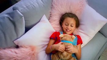 Little Live Pets Rollie My Kissing Puppy TV Spot, 'Kissing Booth' - Thumbnail 4