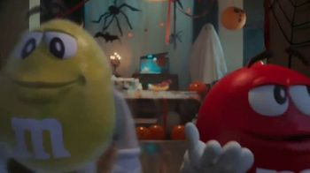 M&M's TV Spot, 'Halloween: Ghosted' [Spanish] - Thumbnail 3