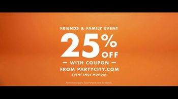 Party City Friends & Family Event TV Spot, 'Halloween: They're Coming' - Thumbnail 9