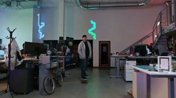 Microsoft Surface Pro 6 TV Spot, 'Adam Wilson: creando robots' [Spanish] - Thumbnail 2