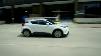 Toyota Spread the Word Sales Event TV Spot, 'Reliable' [T2] - Thumbnail 8