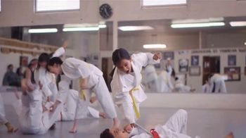 Walgreens TV Spot, 'Protect Yourself This Flu Season' - Thumbnail 6