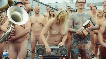 Absolut TV Spot, 'The Vodka With Nothing to Hide' - Thumbnail 8
