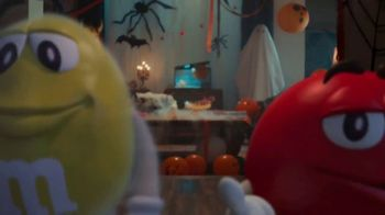 M&M's TV Spot, '2018 Halloween: Ghosted' - Thumbnail 3