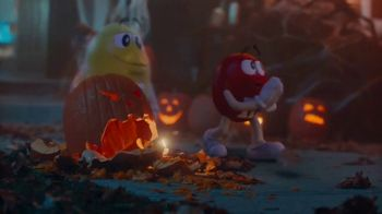 M&M's TV Spot, 'Halloween: Ghosted' - Thumbnail 7