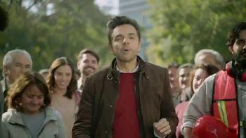DishLATINO Inglés Para Todos TV Spot, 'Entre la multitud' con Eugenio Derbez [Spanish] - Thumbnail 2