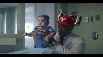 Dr Pepper TV Spot, 'Fansville: Blindsided' Featuring Eddie George - Thumbnail 7