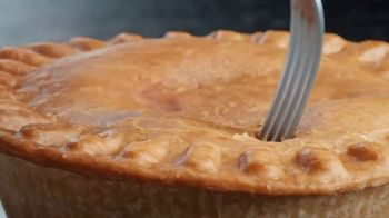 Banquet Mega Meat Lovers Deep Dish Pot Pie TV Spot, 'Dig In' - Thumbnail 3