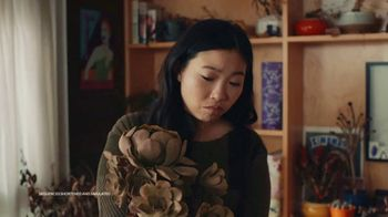 Google Assistant TV Spot, \'Easy: Now on Smart Displays\' Featuring Awkwafina, Song by Outasight