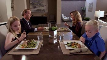 Mobii TV Spot, 'Family Dinner'